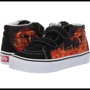 GUC‼️BOYS VANS DRAGON FLAME BLACK/TRUE SIZE: 2